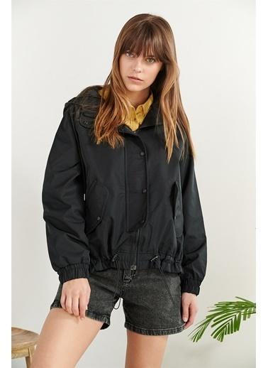 Levure Cep Lastik  Detaylı Ceket Siyah